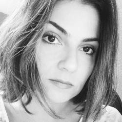 Júlia De Oliveira Mendes de França