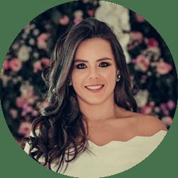 Paula Queiroz