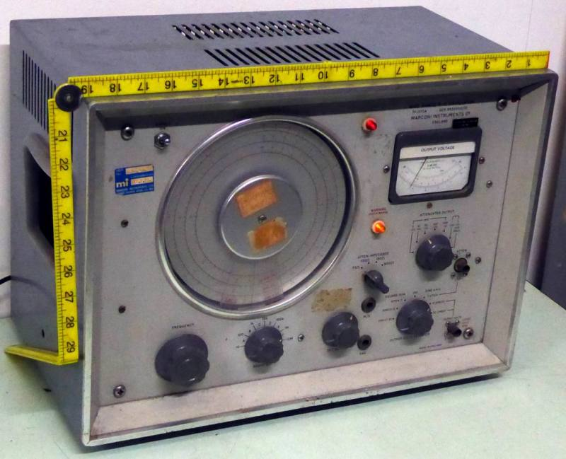 Practical 1960s period laboratory oscillator/radio test set