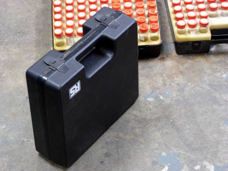 Sample vials/test tubes/component tubs in rugged plastic cases