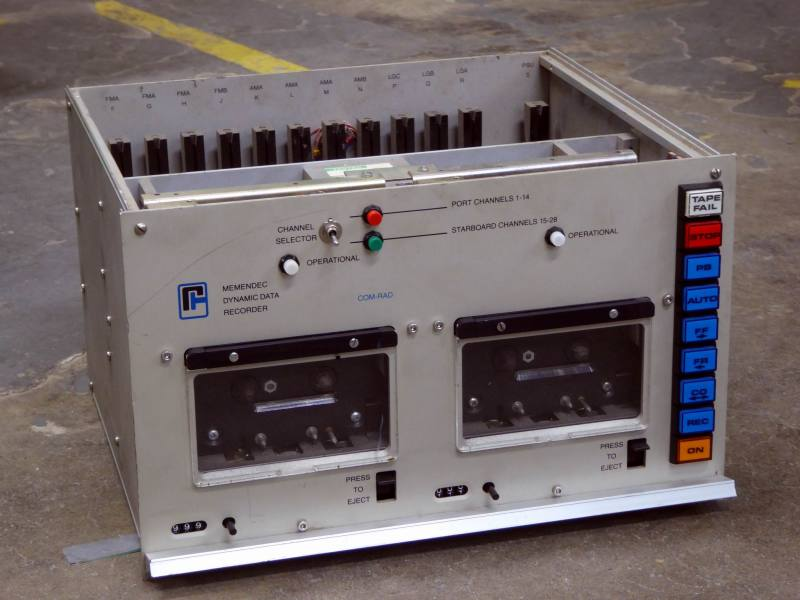 Industrial twin cassette recorders