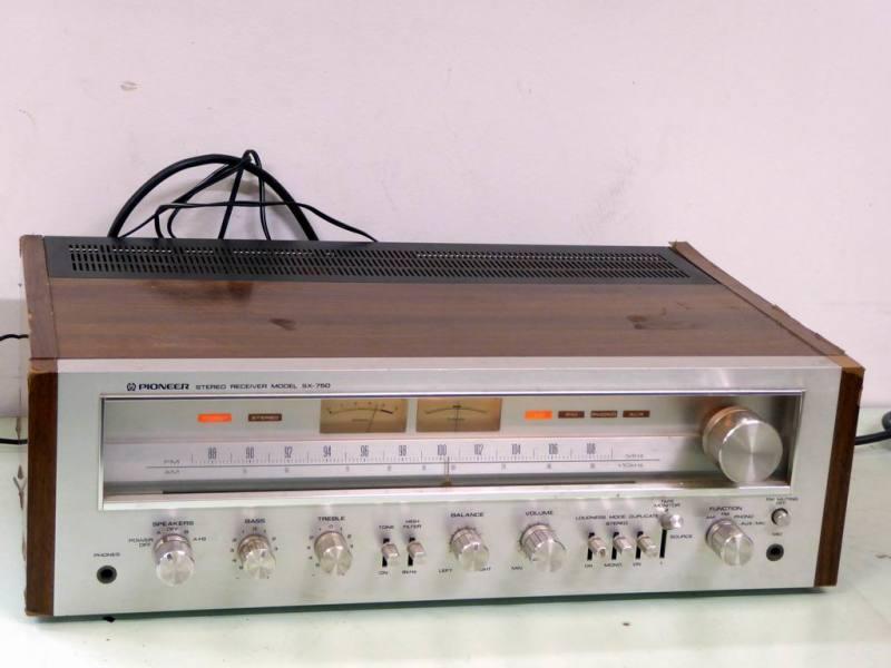 1970s Pioneer hi-fi amplifier/receiver