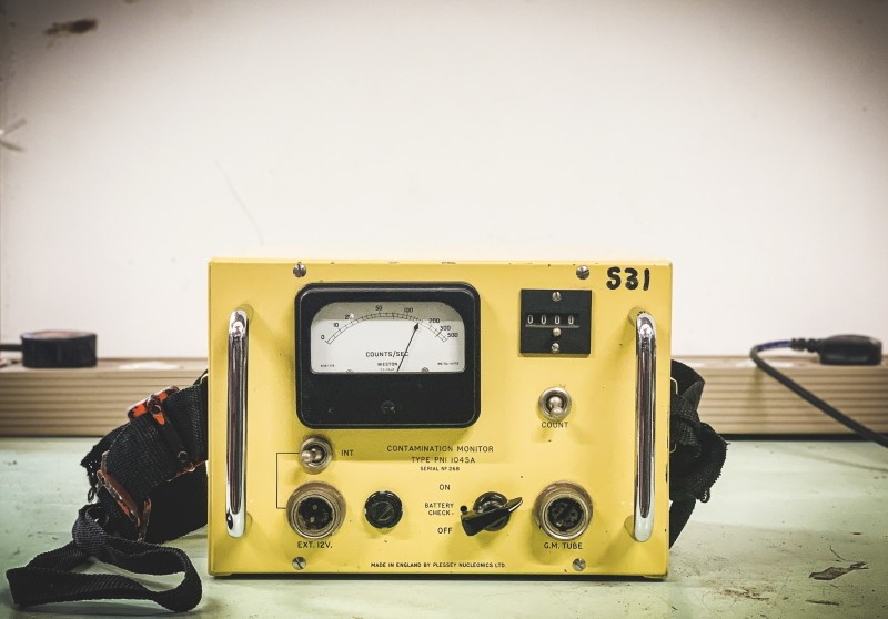 Yellow Practical (Contamination Monitor) with interactive knob + magnetic aerial
