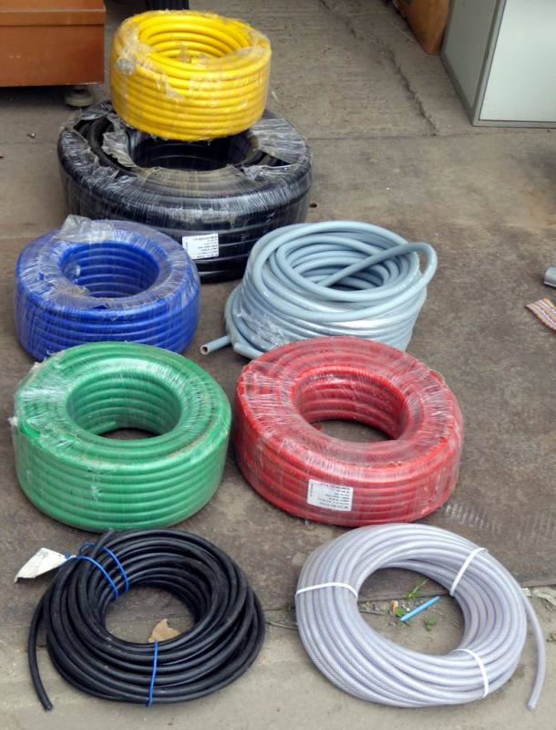 Coloured industrial hoses