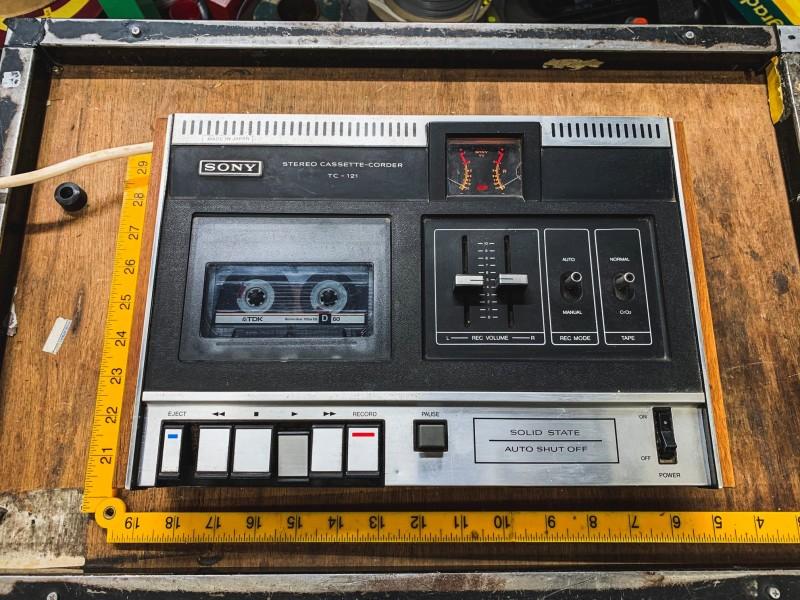 Practical Sony cassette recorder/player (Sony Stereo Cassette-Corder TC - 121)