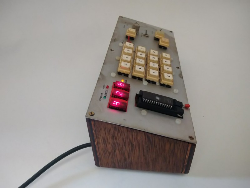 Laboratory Eprom chip reader/binary LED counter