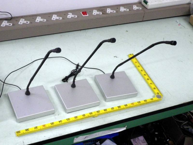 Sleek, slender desk/console goose neck microphones