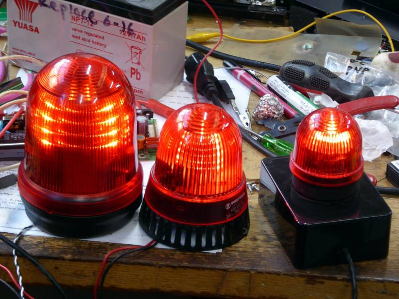 Selection of practical domed red beacon lamps