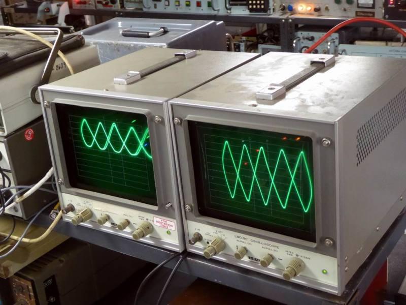 Practical large screened laboratory X-Y displays
