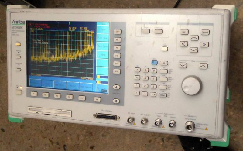 Spectrum analyser & radio test set | Electro Props Hire