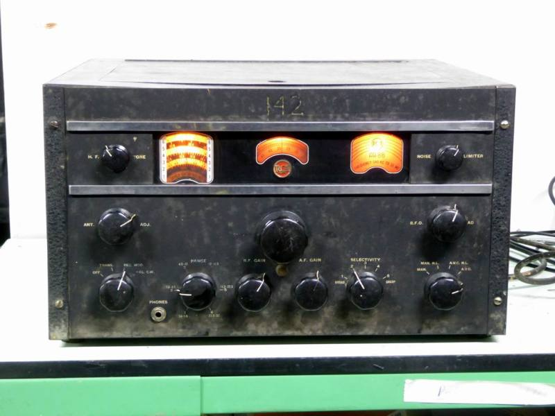 Practical world war 2 RCA AR88 military radio receiver