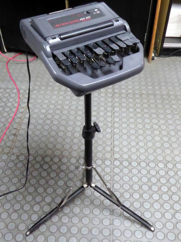 Modern court room stenograph/stenotype with detachable tripod stand
