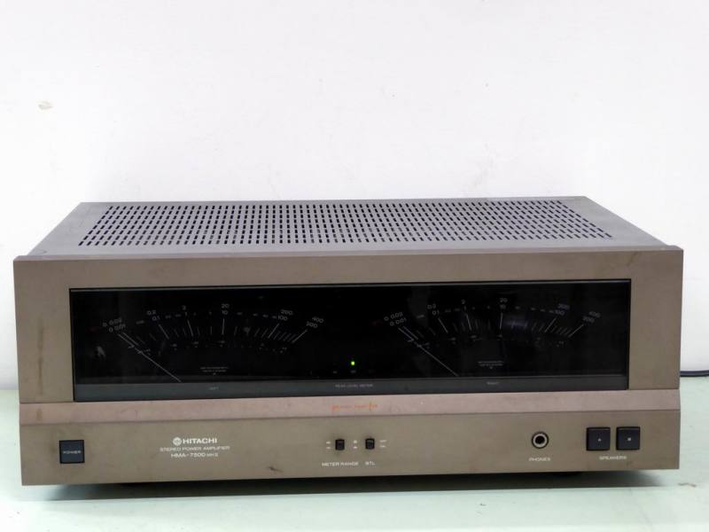 1980s Hitachi hi-fi power amplifier