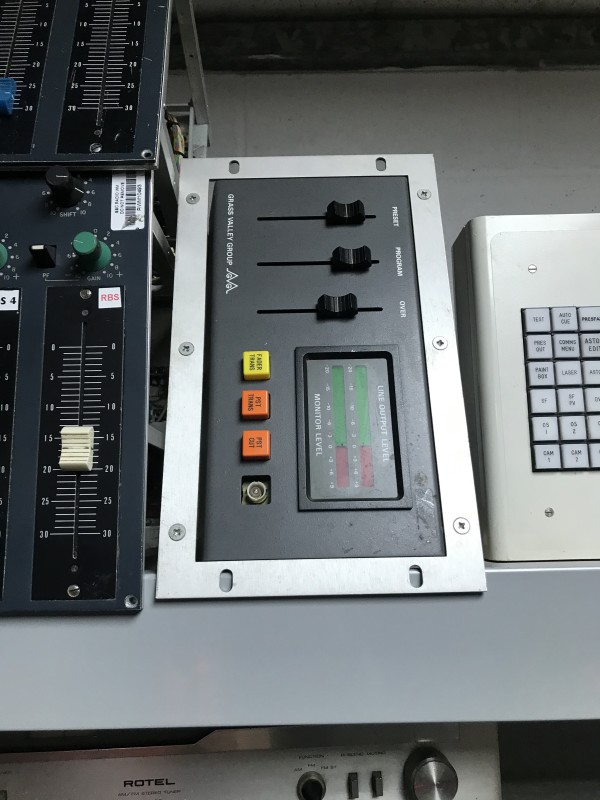 Small mixer panel with 3 faders