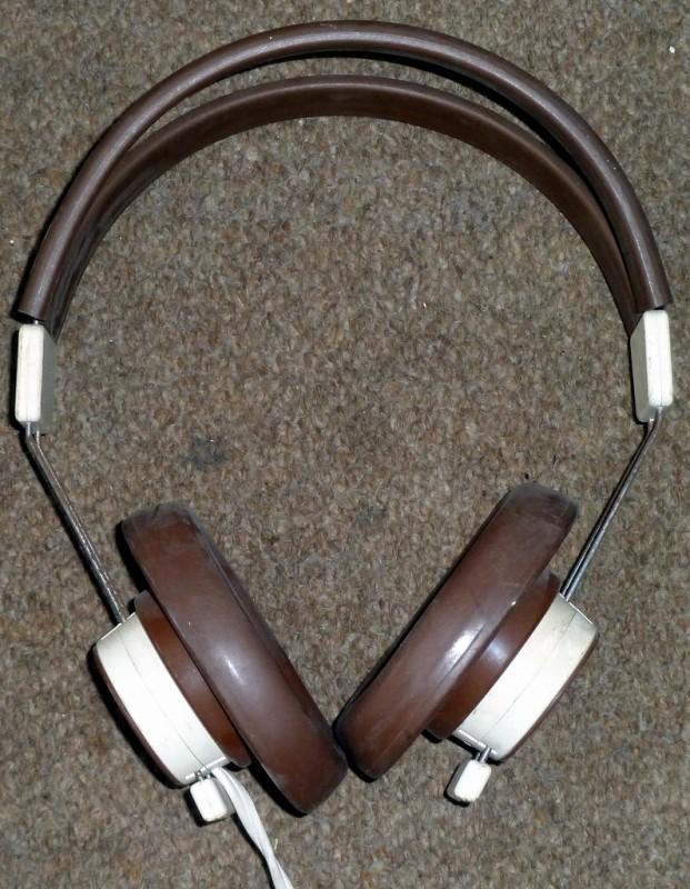 Period headphones in brown