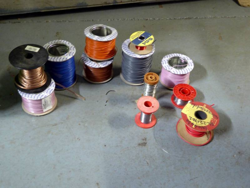 Selection of small spools of coloured & bare wire