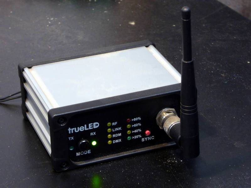 Practical TrueLed wireless/radio communications box with LEDs & stub aerial