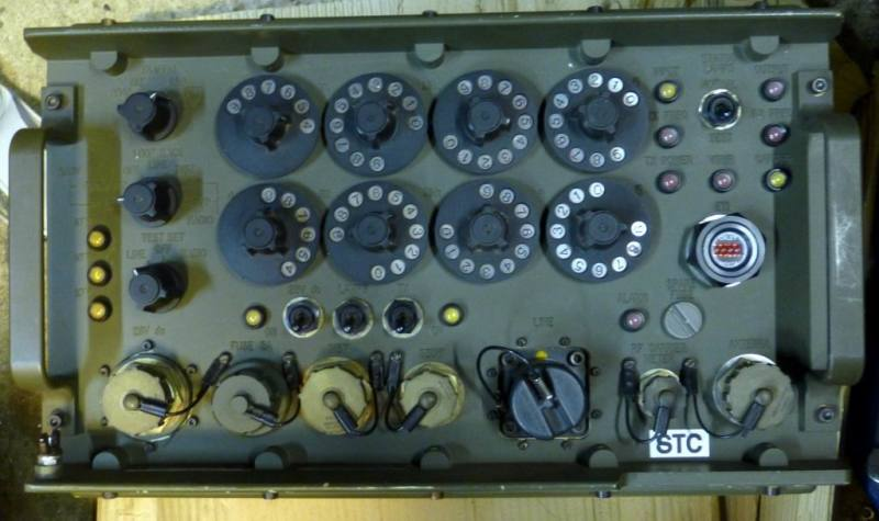 Army battlefield khaki radio by STC