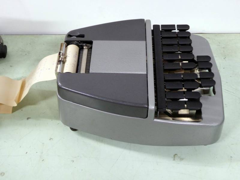 Fully working Stenotype court room stenograph machine