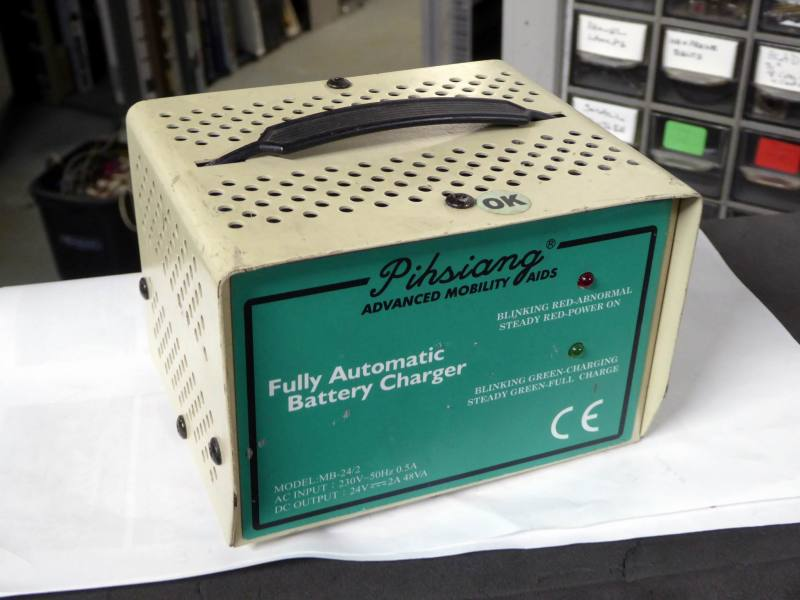 Small lead acid battery charger