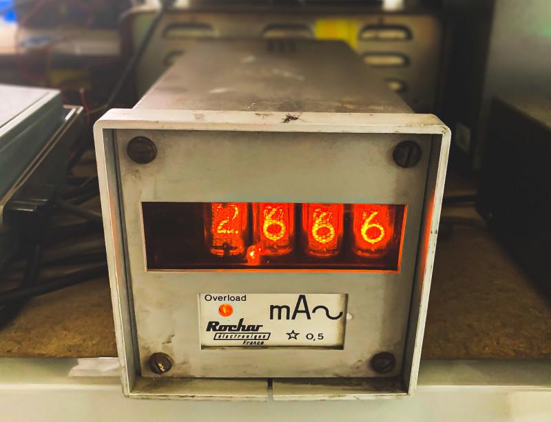 Rochar Nixie tube multimeter