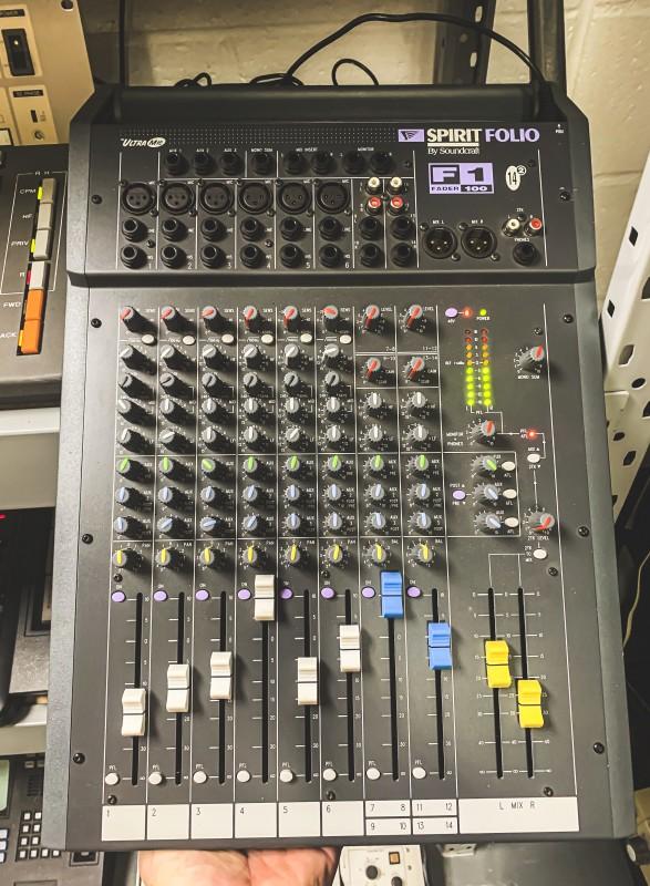 Practical portable audio mixing desk (Spirit Folio F1 14/2)
