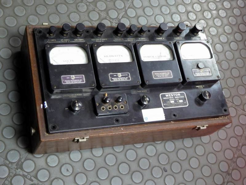 Period electrical analyser test set with quad analogue bakelite meters