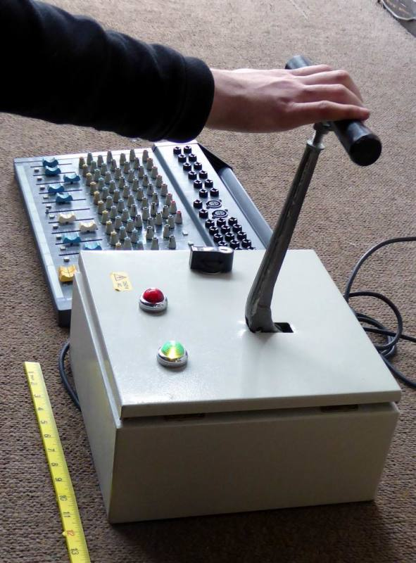 Giant desktop fader with T handle