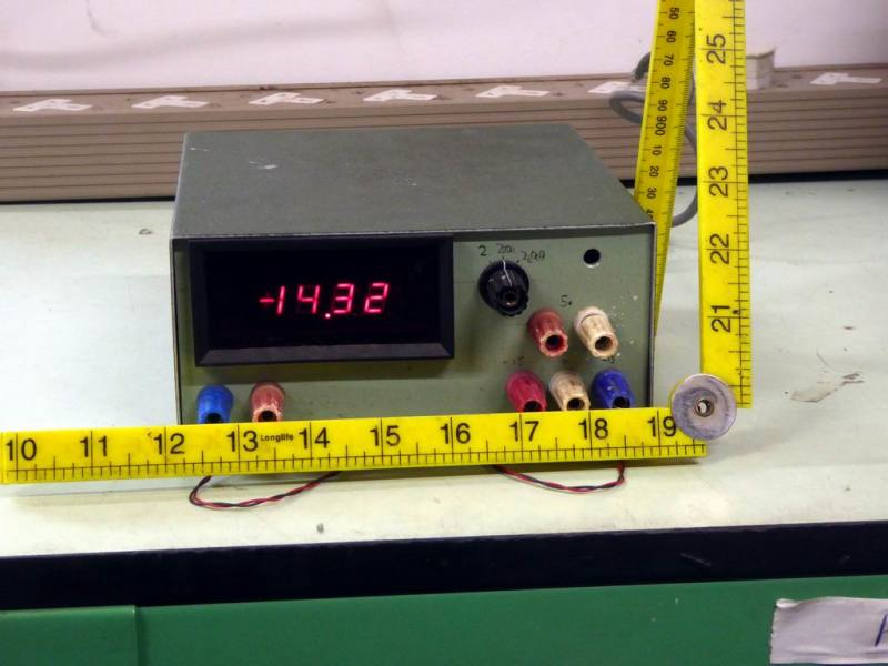 Practical laboratory power supply with red LED digital meter
