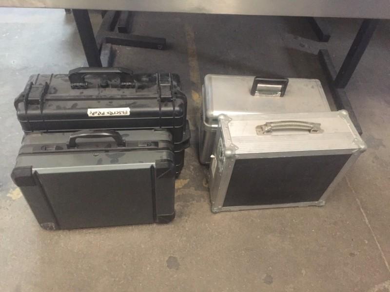 Selection of empty cases/flight cases/peli cases