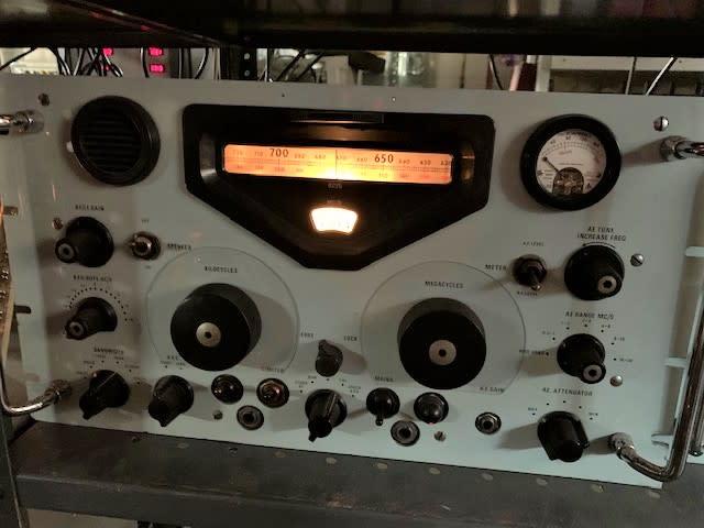 Practical rack mountable Racal RA17 vintage military communications radio (Without cab)