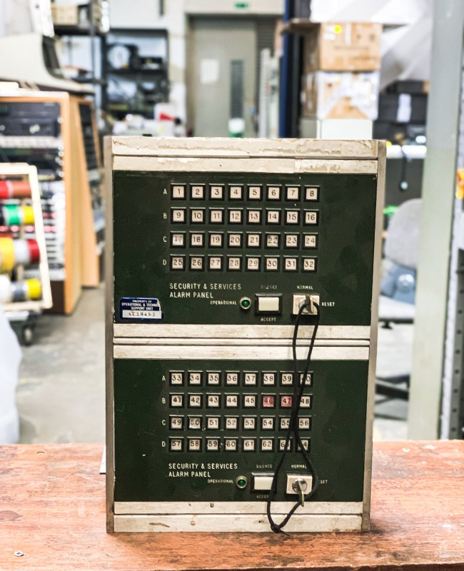 Green (Dual Panel) security alarm panel with key switches