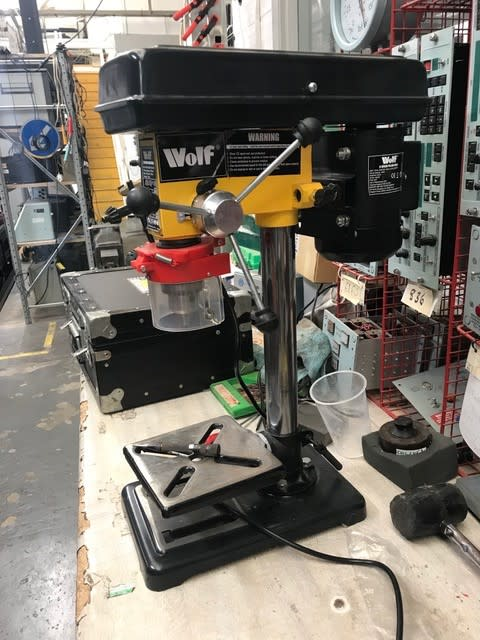Workshop bench pillar drill