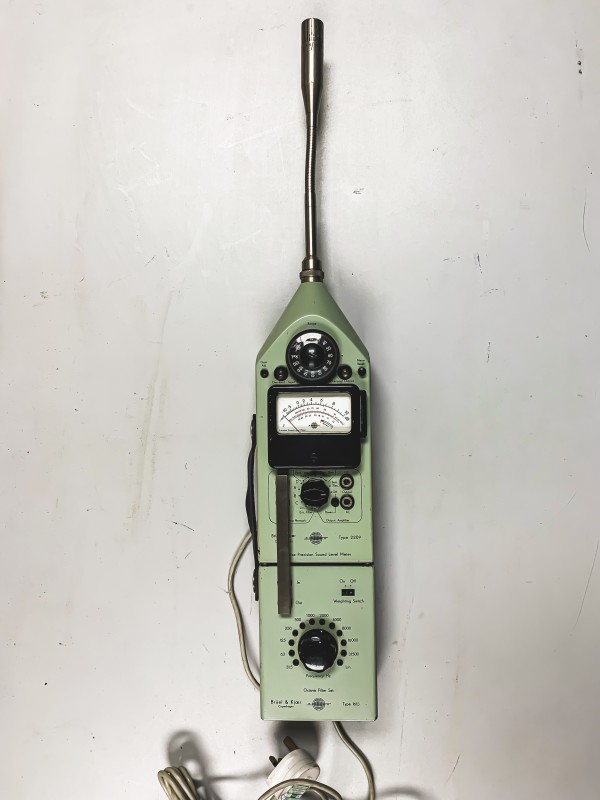 Vintage Precision Sound Level Meter Type 2209 (Bruel Kjaer)