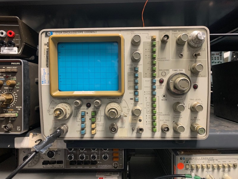 Practical period Oscilloscope (HP 1715A)