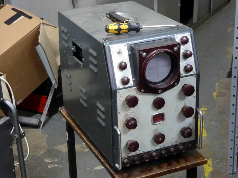 Period Cossor 1035 laboratory oscilloscope in hammerite grey