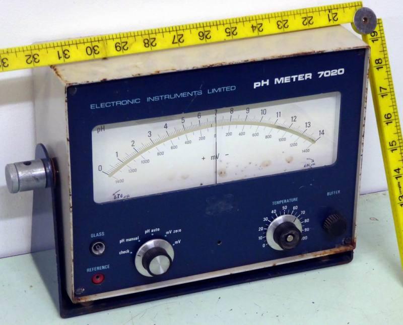 Giant laboratory analog Ph meter