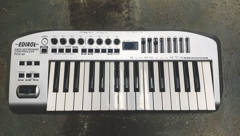 Modern looking MIDI keyboard.