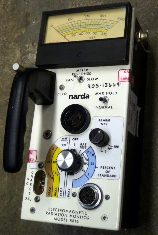 Handheld EM field detector/ Geiger counter