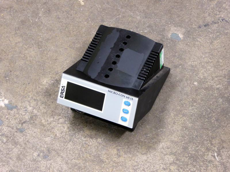 Bench top temperature display