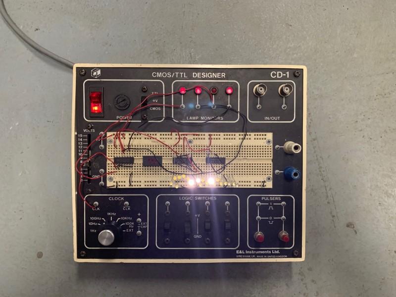Practical circuit designer with flashing LED's (CMOS Designer)