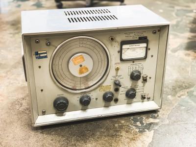 Wide Range R-C Oscillator