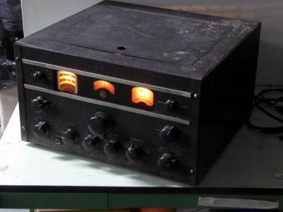 Practical world war 2 RCA AR88 military radio receiver