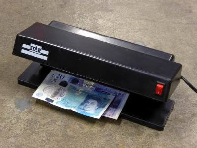 Practical ultra violet/UV bank note scanner/forgery detector