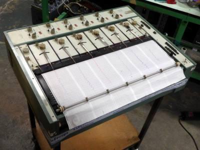 6 pen lie detector/EEG machine/Siesmograph/chart recorder