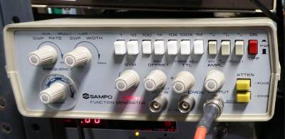 Sampo FG607 laboratory function generator/wobble box for oscilloscopes.