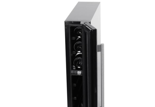 mQuvee inbyggbar svart vinkyl öppen dörr