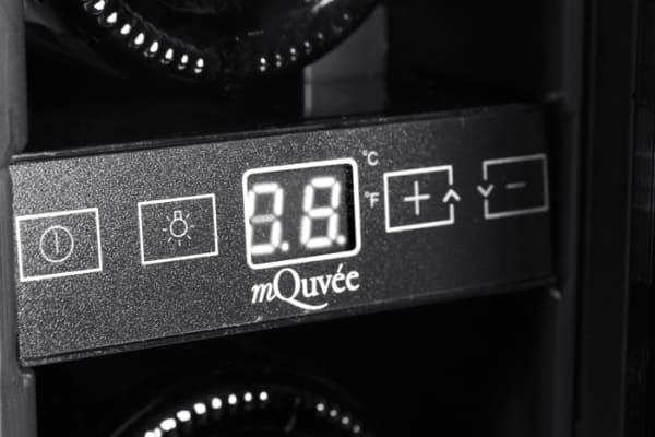 mQuvee display inbyggbar svart vinkyl