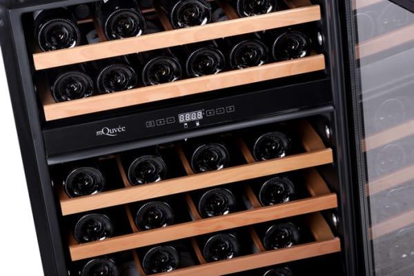 Inbyggbar vit vinkyl från mQuvee med plats för 45 flaskor
