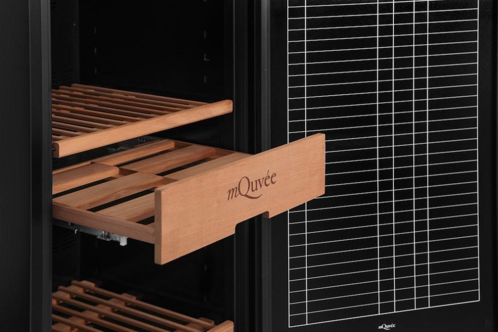 Displaylåda i vinlagringsskåp från mQuvée